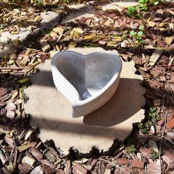 Srdce cement 16x14x9,5cm